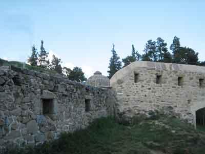 Fortalesa de Montlluís, feta construir pel rei Lluís XIV, després del Tractat dels Pirineus, obra de Vauban.