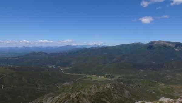 El Canigó i els Pirineus nevats
