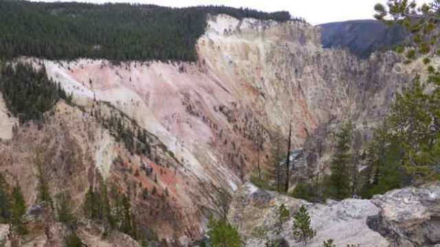 Artits Point. Yellowstone cannyon