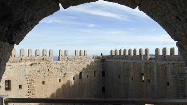 Castell de Montgrí. Interior