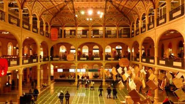 Salaborsa, biblioteca. Bolonya