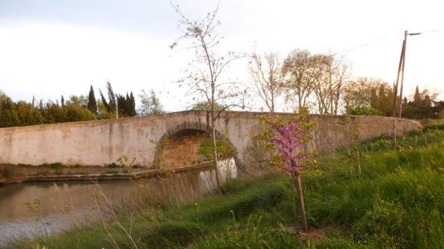 Canal de Midi. Un dels petits ponts