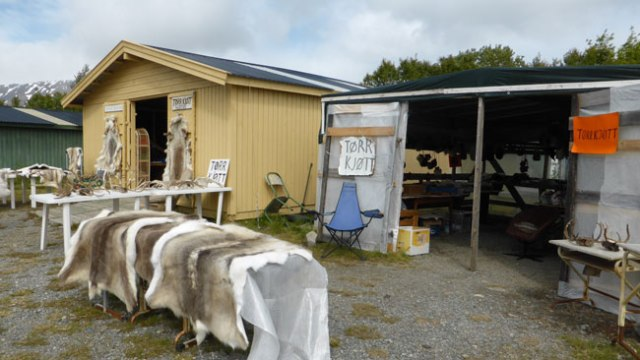 Parada venda productes samis