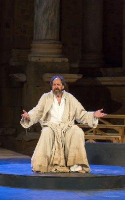 """Fotos del muntatge """"Sócrates"""" Direcció i dramatúrgia Mario Gas. Prota: Josep Maria Pou  Foto: Jero Morales"""
