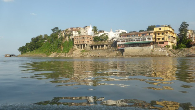 Guwahati. Riu Brahmaputra