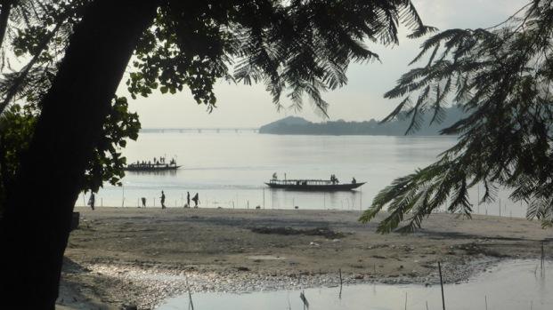 Riu Brahmaputra. Guwahati