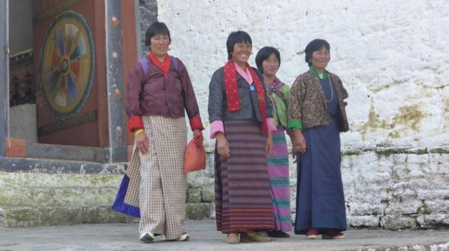 Bhutan women. Trongsa Dzong