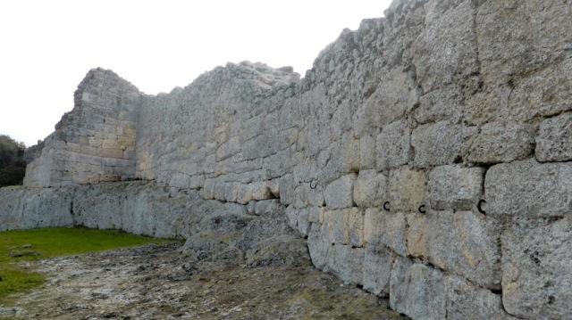 Olerdola wall
