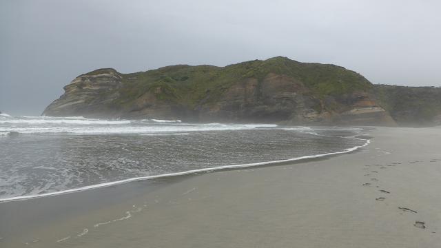 wharakiri-beach-new-zealand
