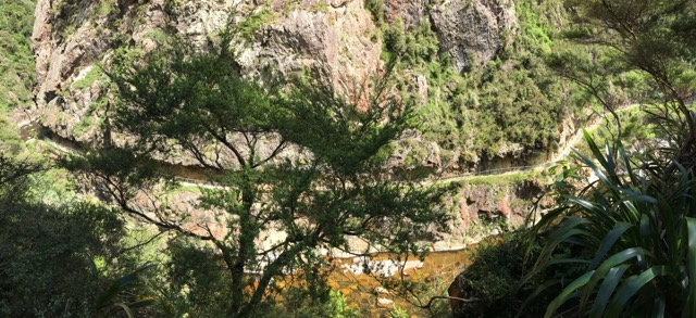 Karangahake gorge, new zealand