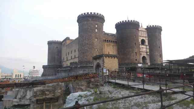 castel nuovo napols